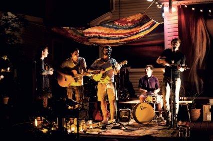 Deadwood Floats performing at Folk Fest in 2011.